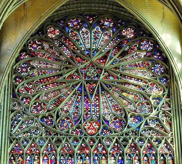 Роза окна в Соборе Амьенской Богоматери, Франция